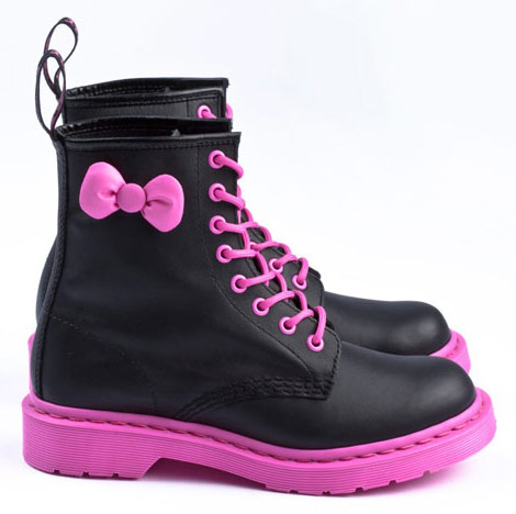 hello-kitty-dr-martens-boots-pink-soles-pink-bow