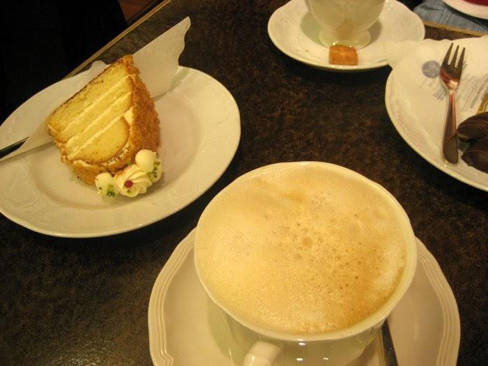 Sarah cooks germany 2008 kaffee und kuchen for Kuchen in deutschland