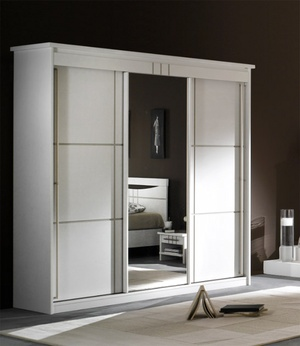 1000 deco armoire comment choisir votre armoire. Black Bedroom Furniture Sets. Home Design Ideas