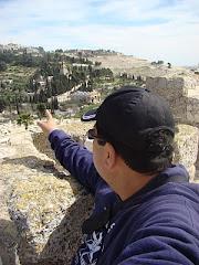 Recorriendo a Jerusalen sobre las murallas