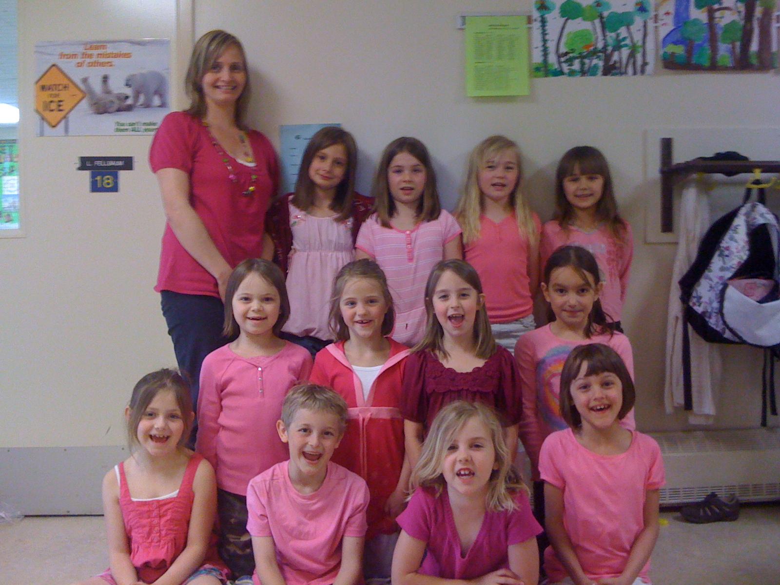 http://1.bp.blogspot.com/_IJCan_CRfqQ/S8cdA7ocsGI/AAAAAAAAAHA/V5F9cDK9vEs/s1600/pink+shirt+day+002.jpg