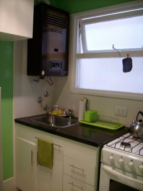 Silvana butto asociados reciclado de cocinas for Mesada de madera para cocina