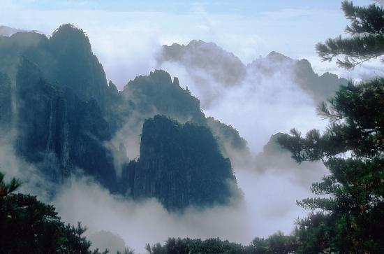 http://1.bp.blogspot.com/_IL0TfNqvDSk/TNcrhKC0XMI/AAAAAAAAAEE/Wc8ImOS_wX8/s1600/huangshan1+(1).jpg