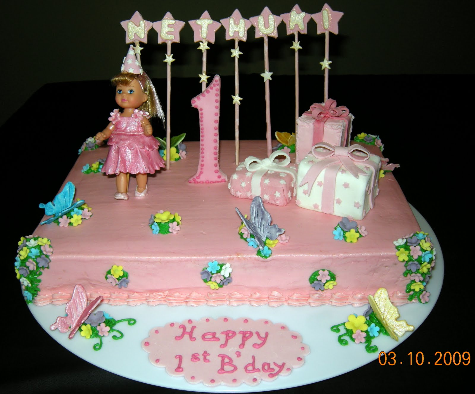 Birthday Cake Images Doll : Harshi s Cakes & Bakes: First Birthday Doll Cake