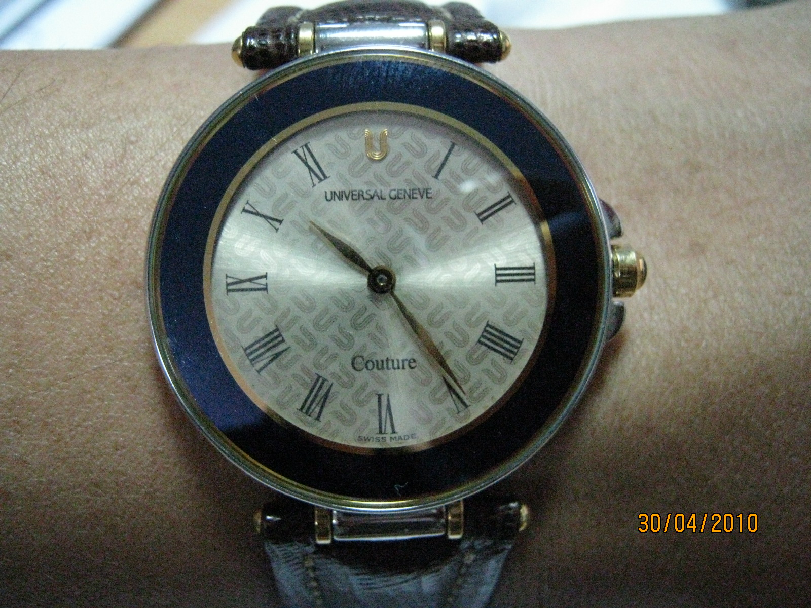 Vintage watches for sale universal geneve couture sold for Couture a geneve