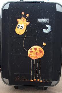Dites, si je met un éléphant et une girafe dans la soute d'un avion en même temps que ma valise, je dois payer un supplément?