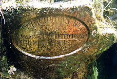 Laguna de Siecha - Placa entrada tunel de desagüe hecho para saquear los tesoros de este lugar