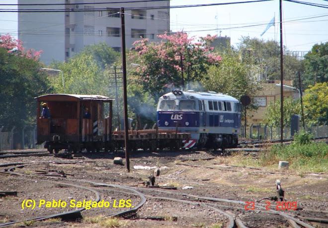 1402 LLEVANDO RIELES AL KM 18,200 DE LA LINEA M
