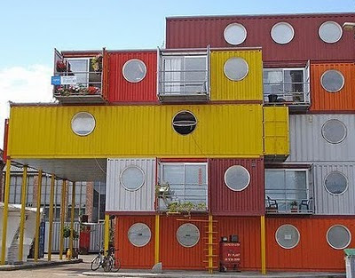 Click here to see more stunning pictures of container houses