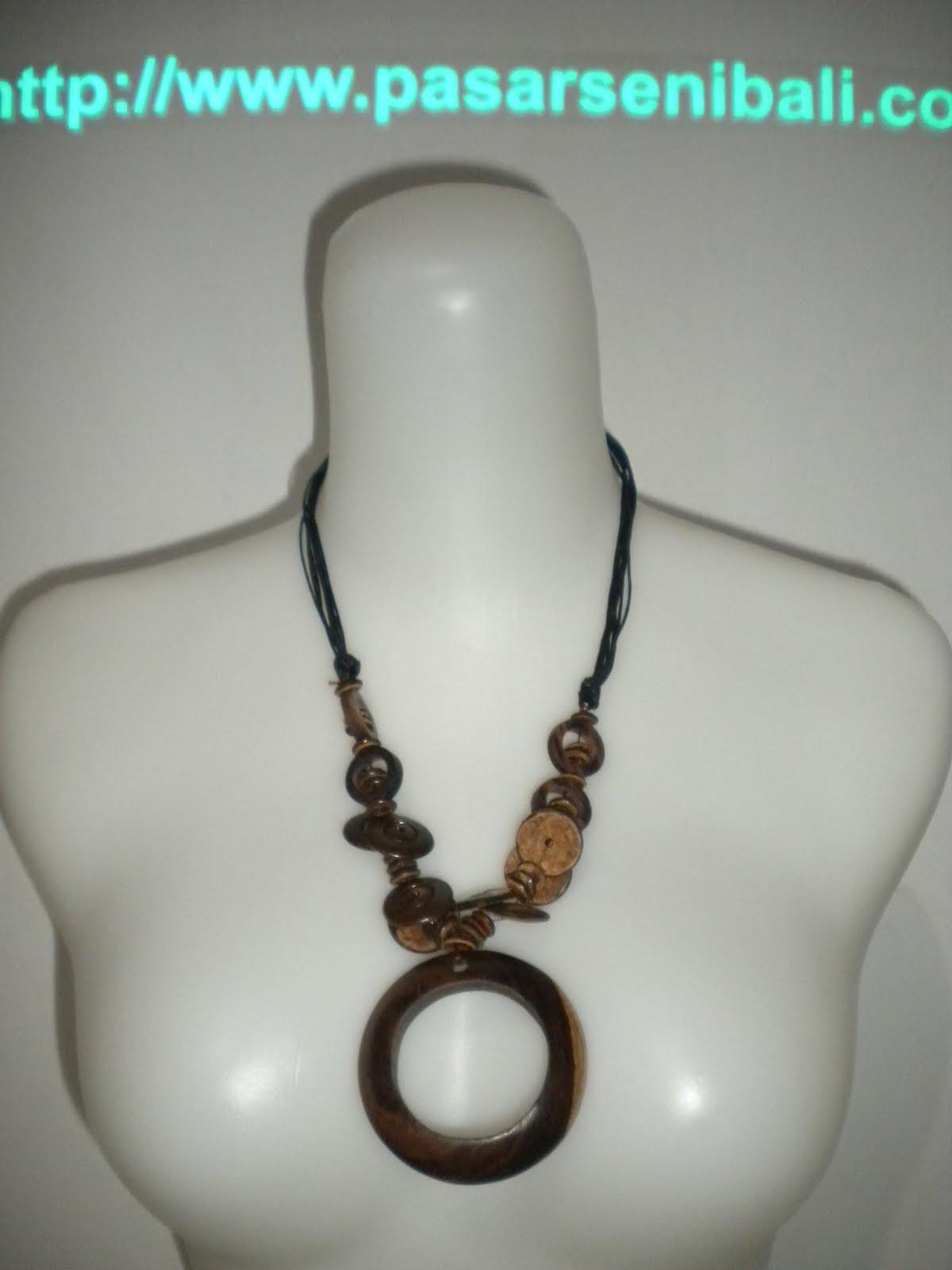 kalung gelang anting cincin gesper atau ikat koleksi aksesoris kalung