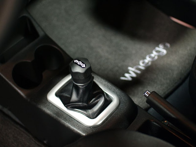 2011 wheego whip life shifter view 2011 Wheego Whip LiFe