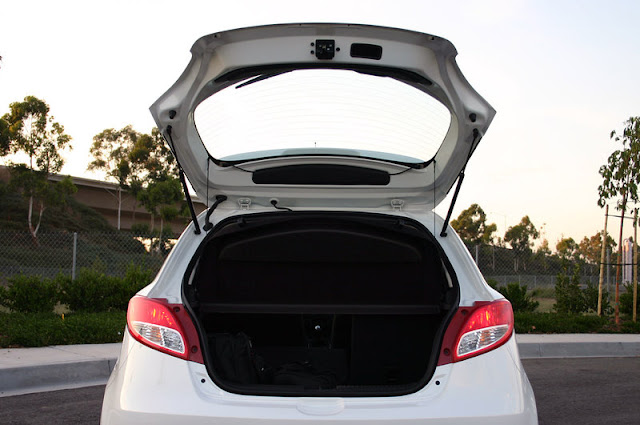 2011 mazda2 luggage view 2011 Mazda2