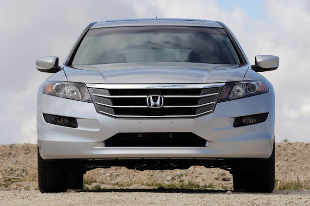 2011 honda accord crosstour front view 2011 Honda Accord Crosstour