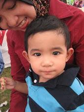 cute baby + gorgeous mummy ;p