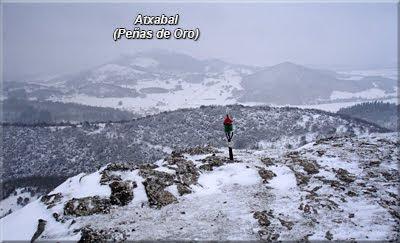 La cercana Peña de Oro/Atxabal apenas se ve
