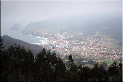 Vistas de Bakio y Gaztelugatxe desde ''El Mirador''
