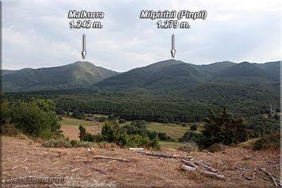 Vista de Milpiribil y Malkorra desde el depósito de aguas (Galarreta)
