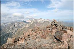 Monolitos de piedras en la cima de Salvaguardia