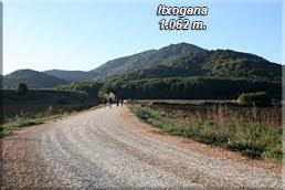 La pista toma dirección a Itxogana