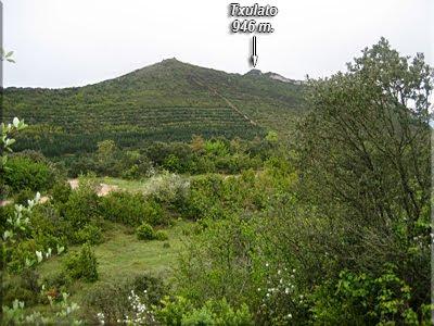 Vista de Txulato desde el collado de acceso al Valle Reajo