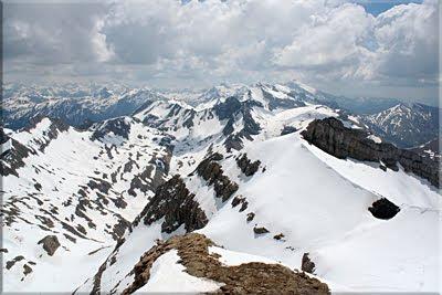 Amplia panorámica cerca de la cresta oriental