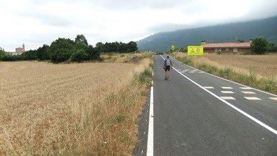 Carretera hasta Lagran