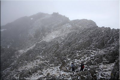 Vista de Aizkorri desde la cresta cimera