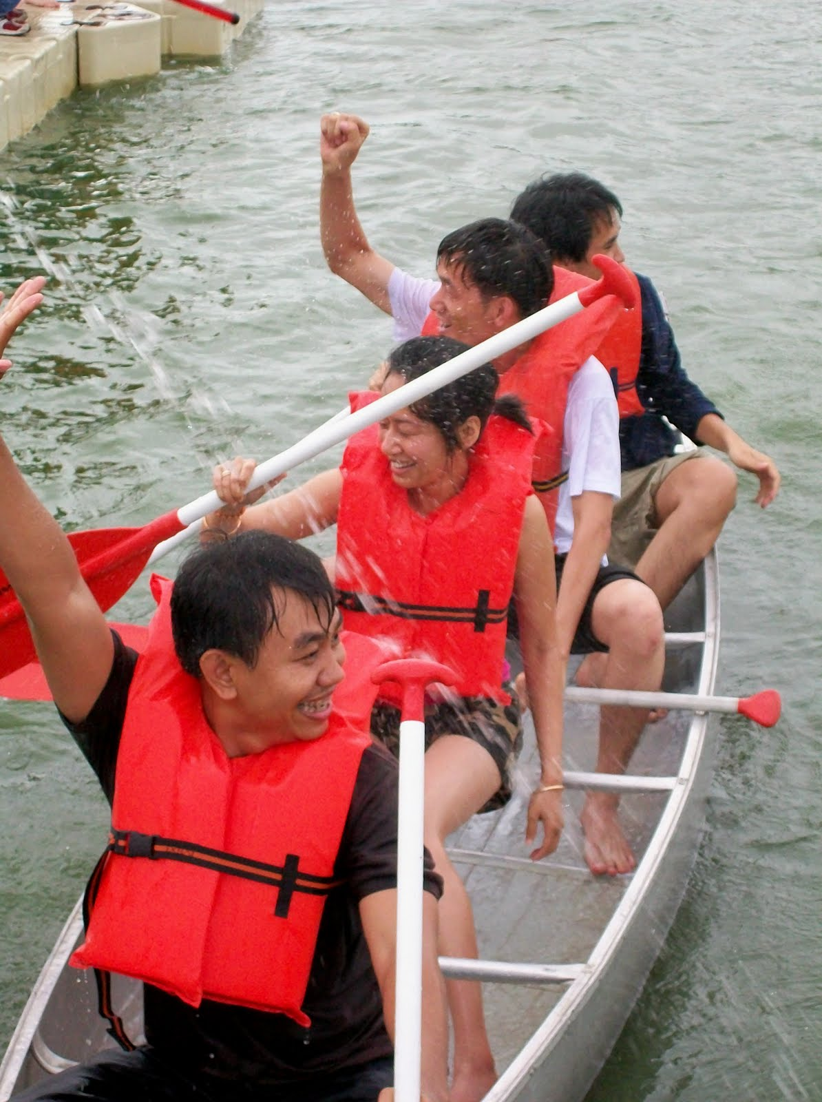 Cambdian canoe team