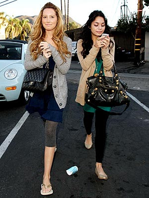 Vhud-tis vanessa hudgens ashley tisdale gym buddies 12