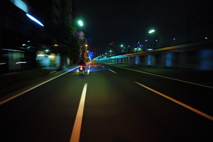 [深夜のハイパーモタード1100SDSC_0021.jpg]