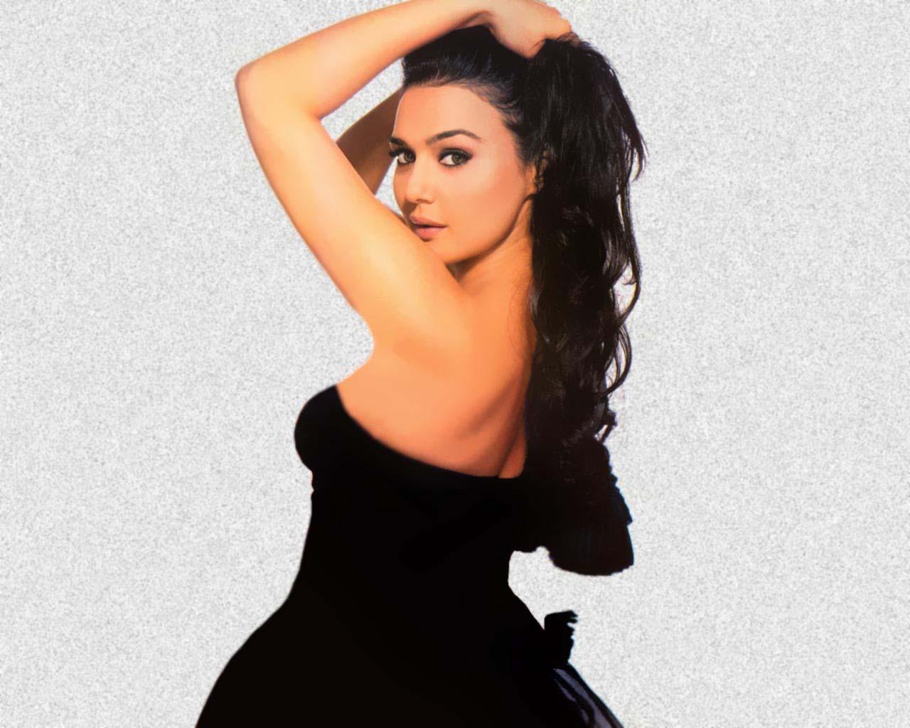 preity zinta hot photo - photo #25
