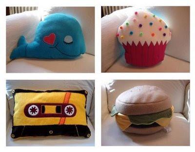 http://1.bp.blogspot.com/_IUYlNU10BMY/SmgIsOM60HI/AAAAAAAAaio/d8qeQvAkigc/s400/funny-pillows-10.jpg