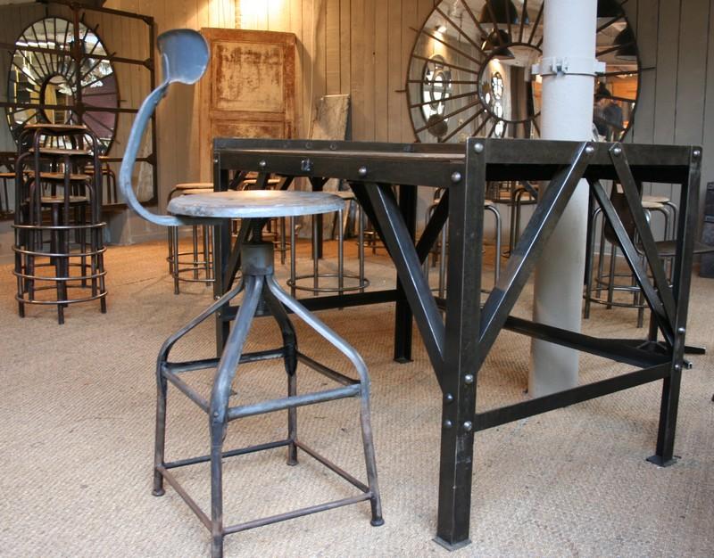 design for loft meubles industriels loft. Black Bedroom Furniture Sets. Home Design Ideas