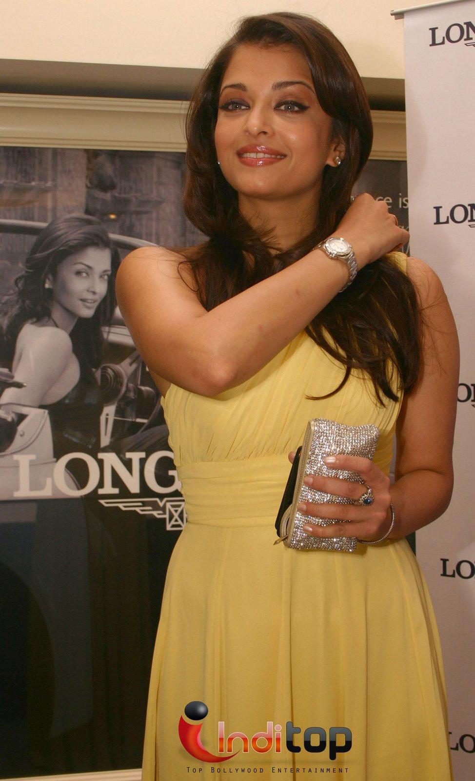 , Aishwarya Rai Bachchan At The Opening of Longines Boutique