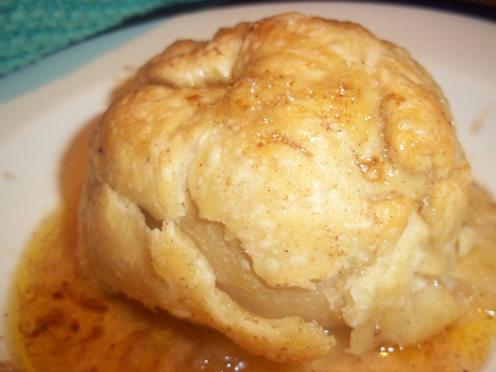 pennsylvania dutch apple dumplings apple dumplings with rich cinnamon ...