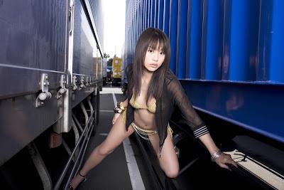 Hitomi Kaikawa_4