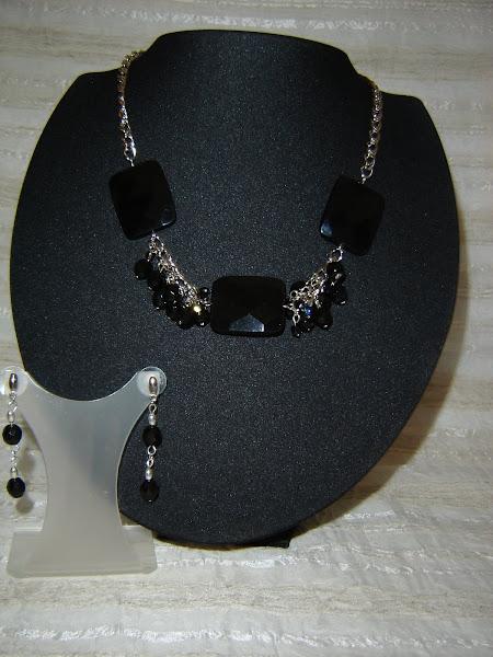 Onix preto e cristais
