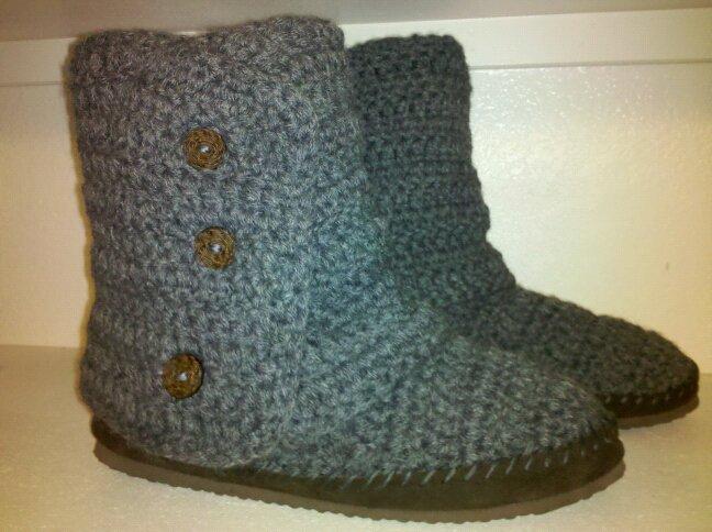 crochet boots, ugg style Knit and Crochet Pinterest