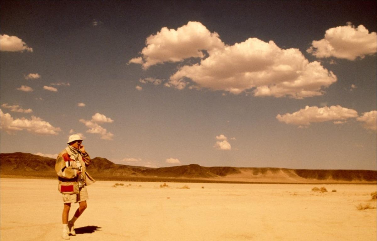 http://1.bp.blogspot.com/_IZZHuq1ijzk/THGerB-B4vI/AAAAAAAAAKA/kByU4tSQuCc/s1600/las-vegas-parano-1998-09-g.jpg