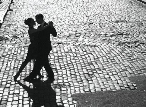 o Tango saiu á rua
