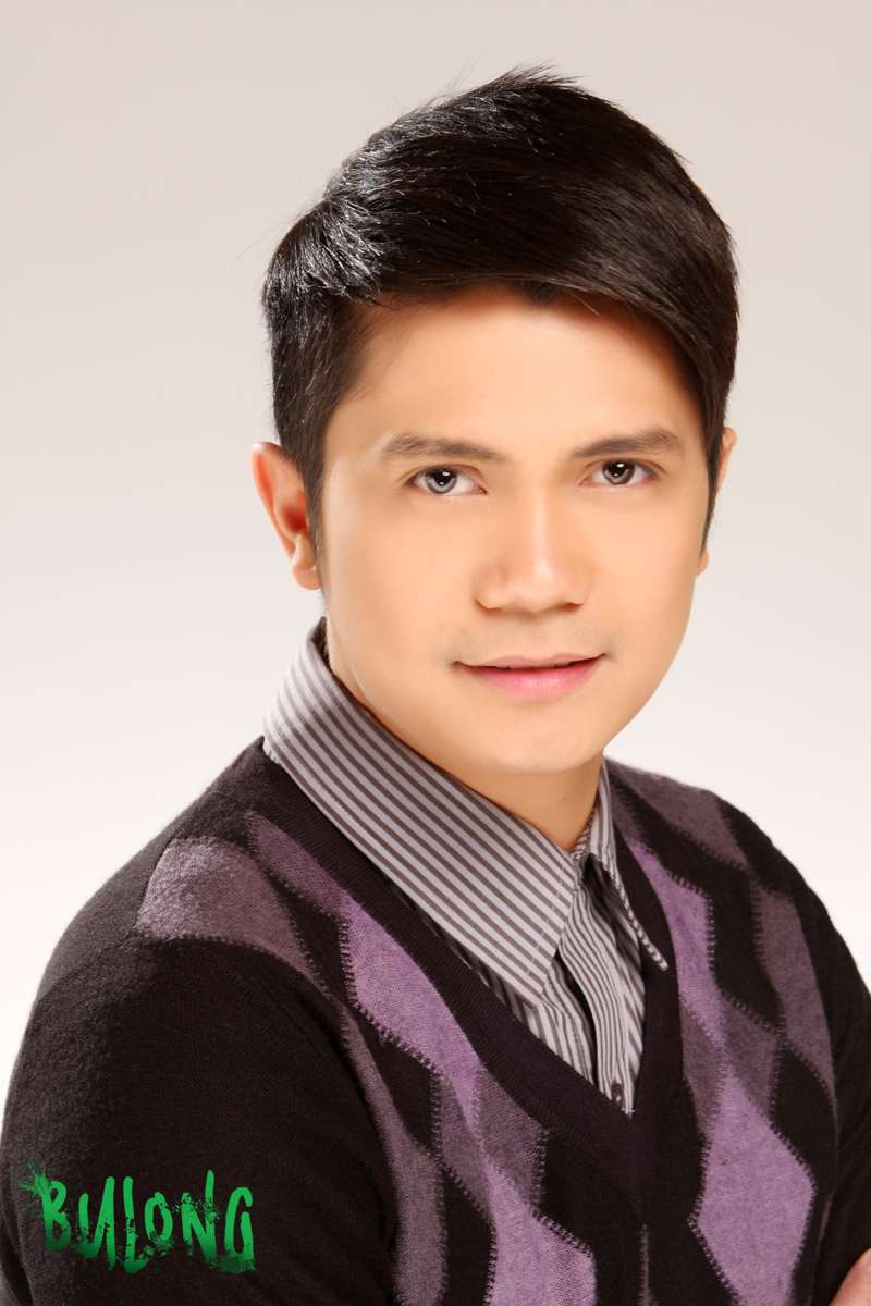 Vhong Navarro pictures in Bulong | Showbiz Portal