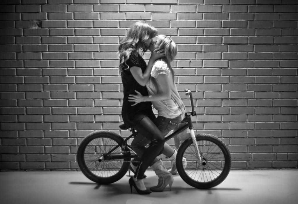 Girl with bmx wallpaper wallpaper wide hd gsccilife chicks and bikes 04 voltagebd Choice Image