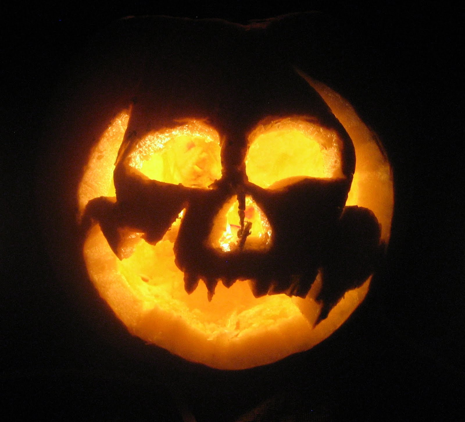 history of the jack o lantern What's the origin of jack-o'-lanterns by matt soniak october 25  michelle myers—an arizona mom with a history of migraines—went to sleep with a.