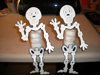 halloween crafts: skeleton doughnut men