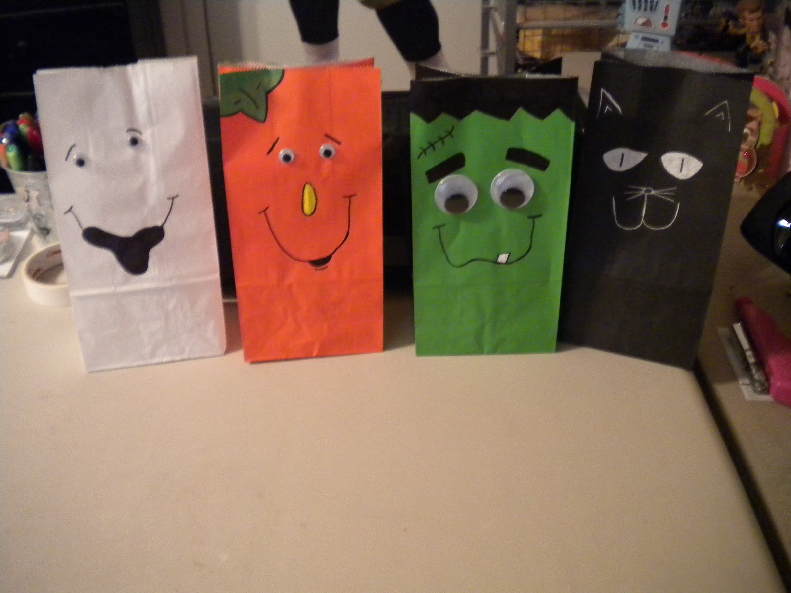 jean's crafty corner: day 17 of halloween projects: paper sack