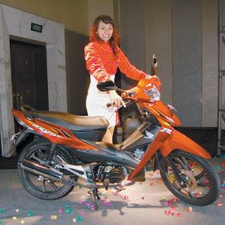 Honda Revo Girl
