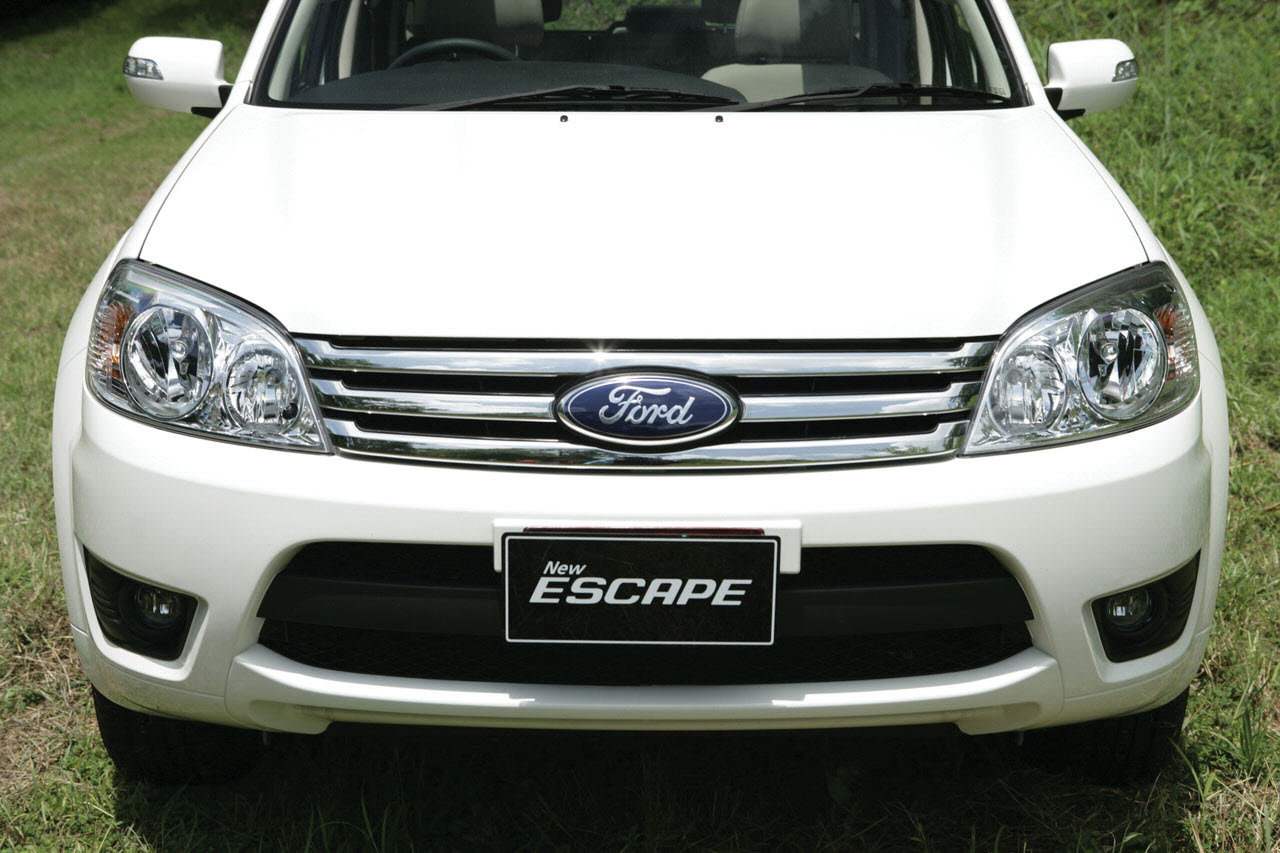 [2010_Ford-Escape-XLT-4x2-E20-TH_13.jpg]