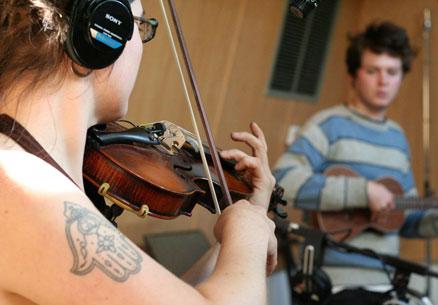 Apaixonados por música.