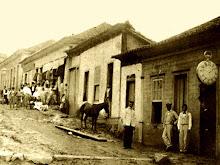 Carangola - Rua 15 de Novembro, em 1896. Atual Rua Pedro de Oliveira