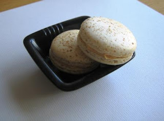 recettes dessert  **Macarons A La Noix, Crème A La Noix...Sans Jeu De Mots**